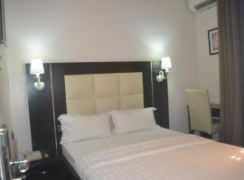 Mac Dove Lounge & Suites