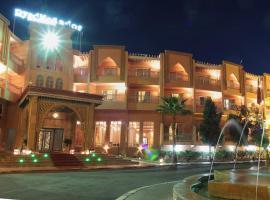 莫加多尔古堡酒店