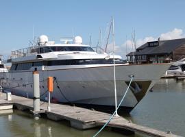 Yacht 'Perseus Star' Deauville