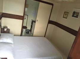 Tapri - Hotel Flutuante