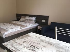 Mini-Hotel Law ABRIS,位于阿德勒的旅馆