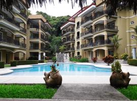 Awesome luminous condo in Jaco area for 5
