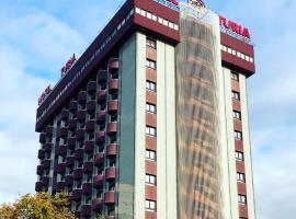 图里亚酒店
