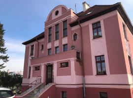 villa Gross-Nádražní 320 Ostrov