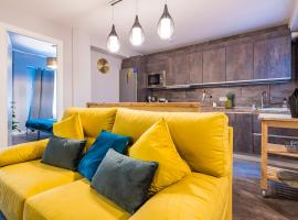 Stylish newly renovated in great location /WIFI