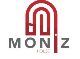 Moniz House