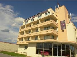 马达雷纳酒店