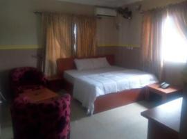 Ide's Honey Moon Resort, Nkpor (Idemili South附近)