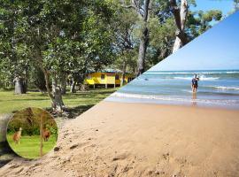 Yellow Cottage - bush and beach
