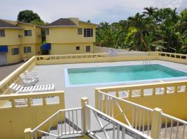Tamarind Hotel, Runaway Bay