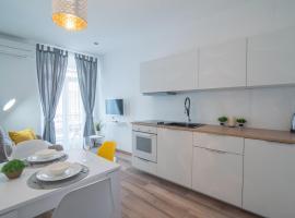 Leona Deluxe Apartments