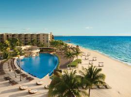 Dreams Riviera Cancun Resort & Spa - All Inclusive,位于莫雷洛斯港的度假村