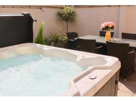 Dream Stays Bath - Trim Street (Hot tub)