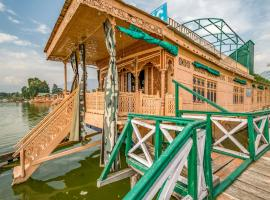 4 BHK Houseboat in Nageen Lake, Srinagar(8A36), by GuestHouser