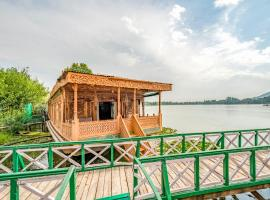 1 BR Houseboat in Nageen Lake, Srinagar (BD5A), by GuestHouser