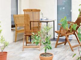 Three-Bedroom Apartment in Zeulenroda-Triebes