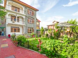 1 BR Homestay in Nageen West, Srinagar (F44E), by GuestHouser