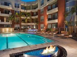 Luxurious Marina Del Rey Apartment
