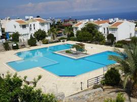 Gorgeous view. Sea, pool & mountain view . Catalkoy / Girne