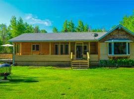 Lakefront Cedar Cottage