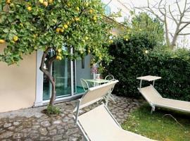 Nocelle Villa Sleeps 2 Air Con WiFi