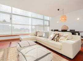 Modern 3 Bedroom Apartment near the Airport