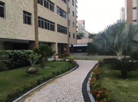 Apartamento Amplo e Confortável no Meireles