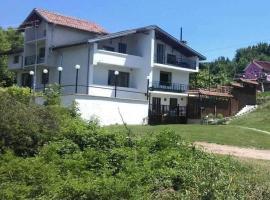 Hillside Guesthouse