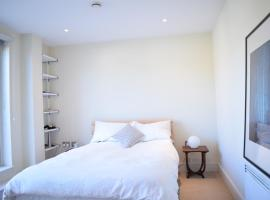 1 Bedroom Flat in Shoreditch with Private Patio