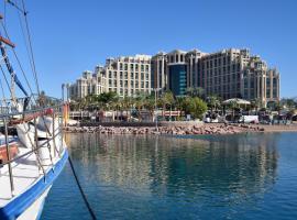 埃拉特示巴女王酒店,位于埃拉特的酒店