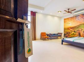 Homely stay in Palam Vihar/70949
