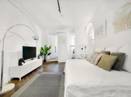 Lovely White Studio in Potts Point