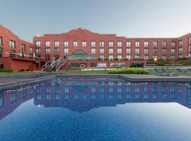 巴塞罗那高尔夫Spa度假酒店, 圣埃斯特韦·塞斯罗维尔
