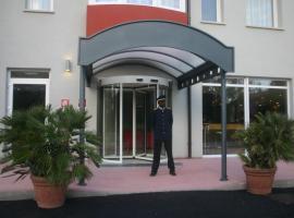 方程式国际酒店, 罗索利纳