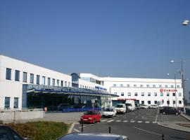华美达布拉格机场酒店