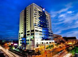 梅加酒店,位于米里的酒店