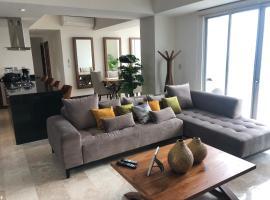 Luxury, View & Comfort, 19th floor Iconia Cubos.
