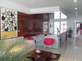 丽兹酒店, Alta Gracia