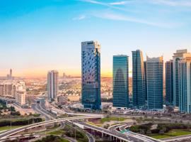 Taj Jumeirah Lakes Towers,位于迪拜的酒店