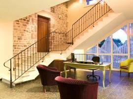 乐克洛斯雷比洛特酒店