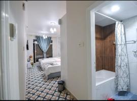 DreamWhite Hotel,位于迪拜的酒店