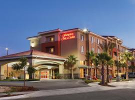 圣贝纳迪诺汉普顿套房酒店