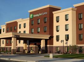 奥马哈南罗尔斯顿竞技场智选假日酒店,位于Ralston的酒店
