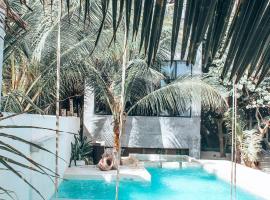 Posada Lamar Tulum Beachfront and Pool,位于图卢姆的酒店