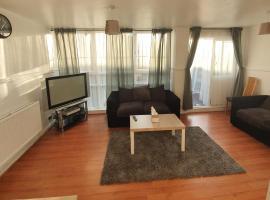 4 bedroom large modern flat,位于伦敦的公寓