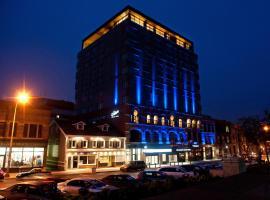 霍尔曼大酒店 , 夏洛特顿