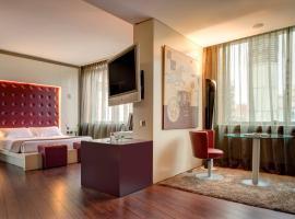 赫罗纳卡勒芒尼酒店
