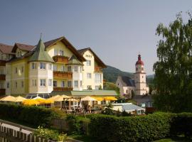 秋季家庭酒店, 弗拉德尼茨·德尔·特克