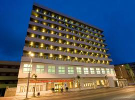 阿尔姆尼卡海湾酒店