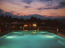 黎莱斯里贝图雷酒店, 科内利亚诺